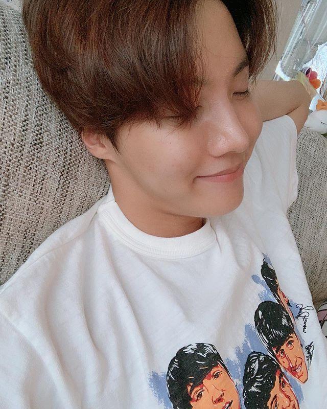 [07/28/2019]  Today on Twitter:  편안 . . . . .  #BTS #방탄소년단 #RM #Namjoon #KimNamjoon #Jin #Seokjin #KimSeokjin #Suga #Yoongi #MinYoongi #JHope #Hoseok #JungHoseok #Jimin #ParkJimin #V #KimTaehyung #Jungkook #JeonJungkook