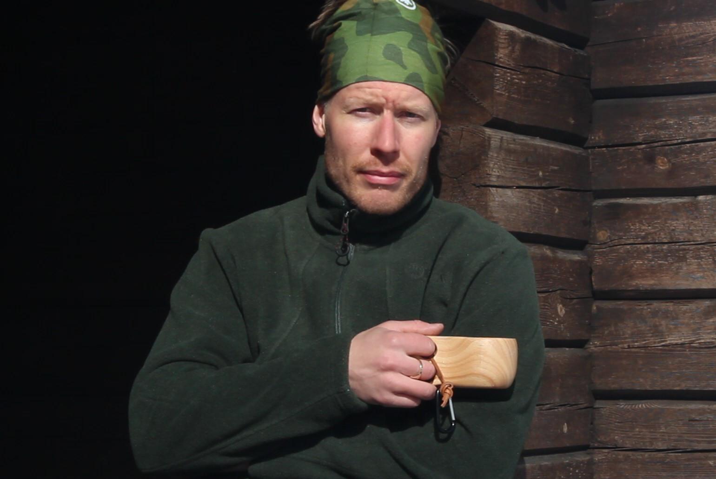 Warrior Knife haastaa perinteisen puukon ominaisuuksillaan.