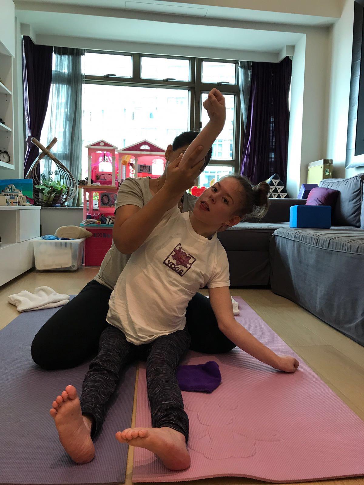 Catrin-yoga-in-Hong Kong-for-disabled.JPG