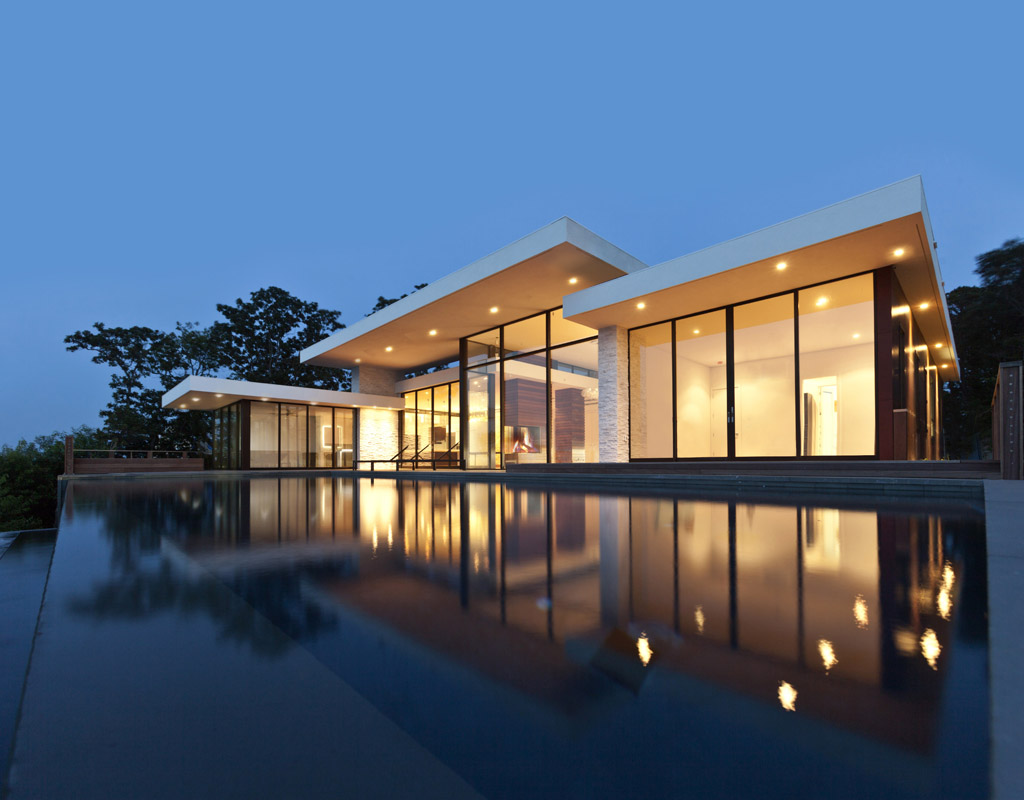PKB_Construction_Hamptons_Building_Modern_Waterfront_Home001.jpg