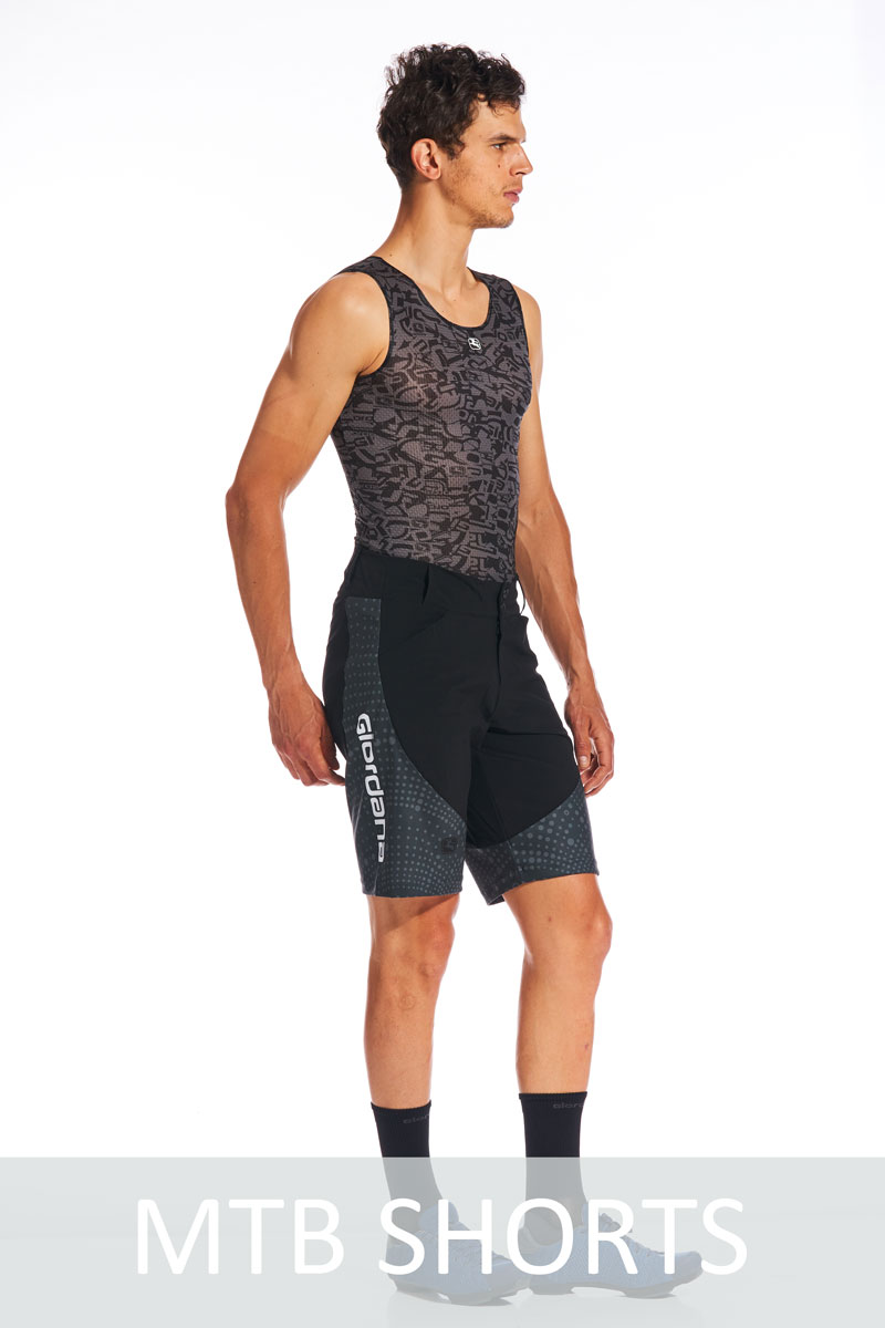 MEN'S-MTB-Shorts_side.jpg