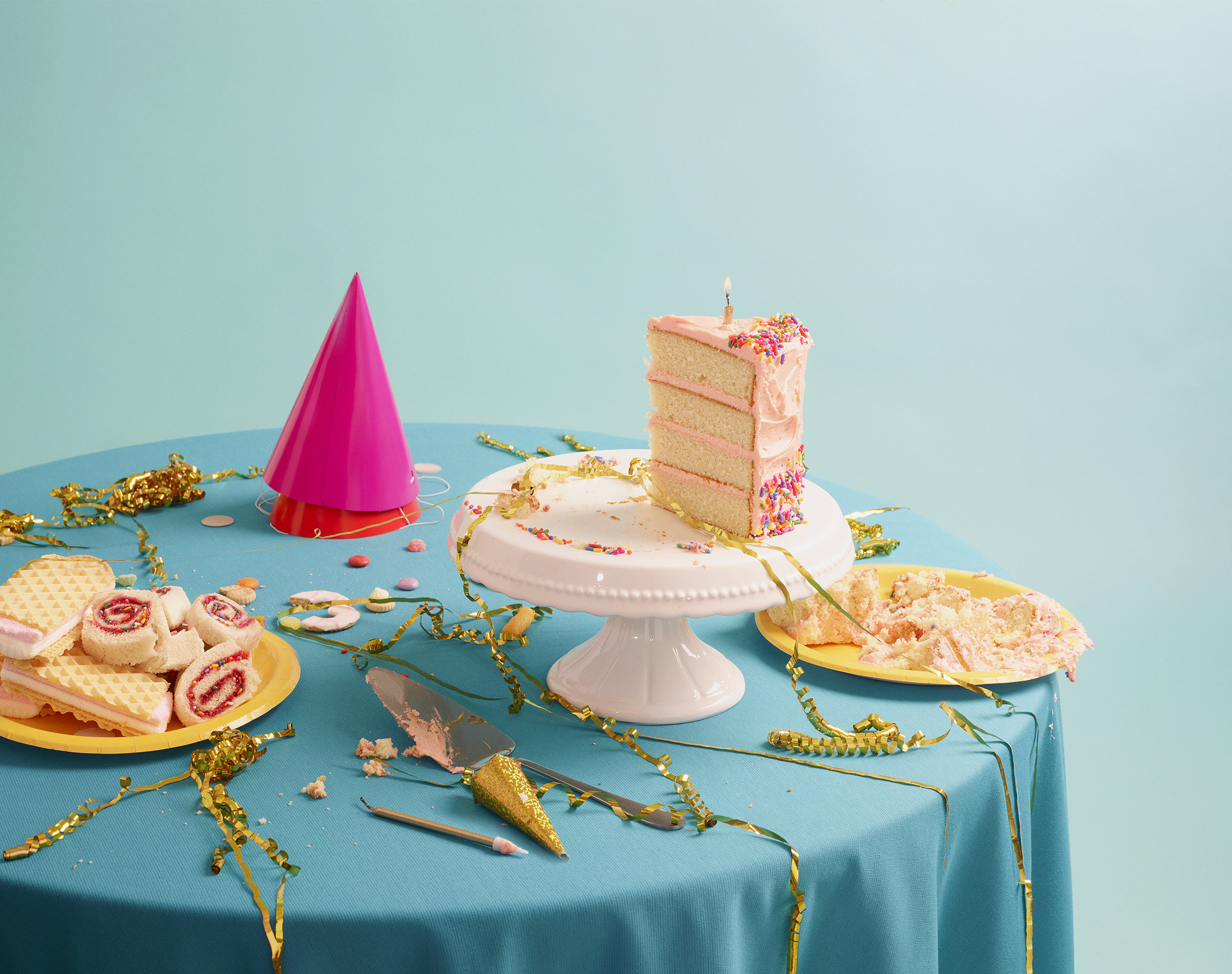 VL886_BirthdayParty_cake_after.jpg
