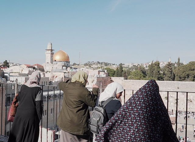 Jerusalem is one of the most interesting cities I've ever visited. Imagine an array of wildly different cultures and beliefs in a small space. It was beautiful and intense. . Jerusalem is one of my favourite parts of my video about my trip to Israel, which is premiering on my YouTube channel this Sunday at 6pm UK time. Check the link in the bio to subscribe so you don't miss it! . #roadtrip #solotravel #solofemaletravel #passionpassport  #lifewelltravelled  #femmetravel  #chooseadventure  #exploringtheglobe  #letsgoeverywhere #sheexplores #israel_view #israeli_moments #israel_instagram #israel_times #visitisrael #documentaryfilm #womenfilmmakers