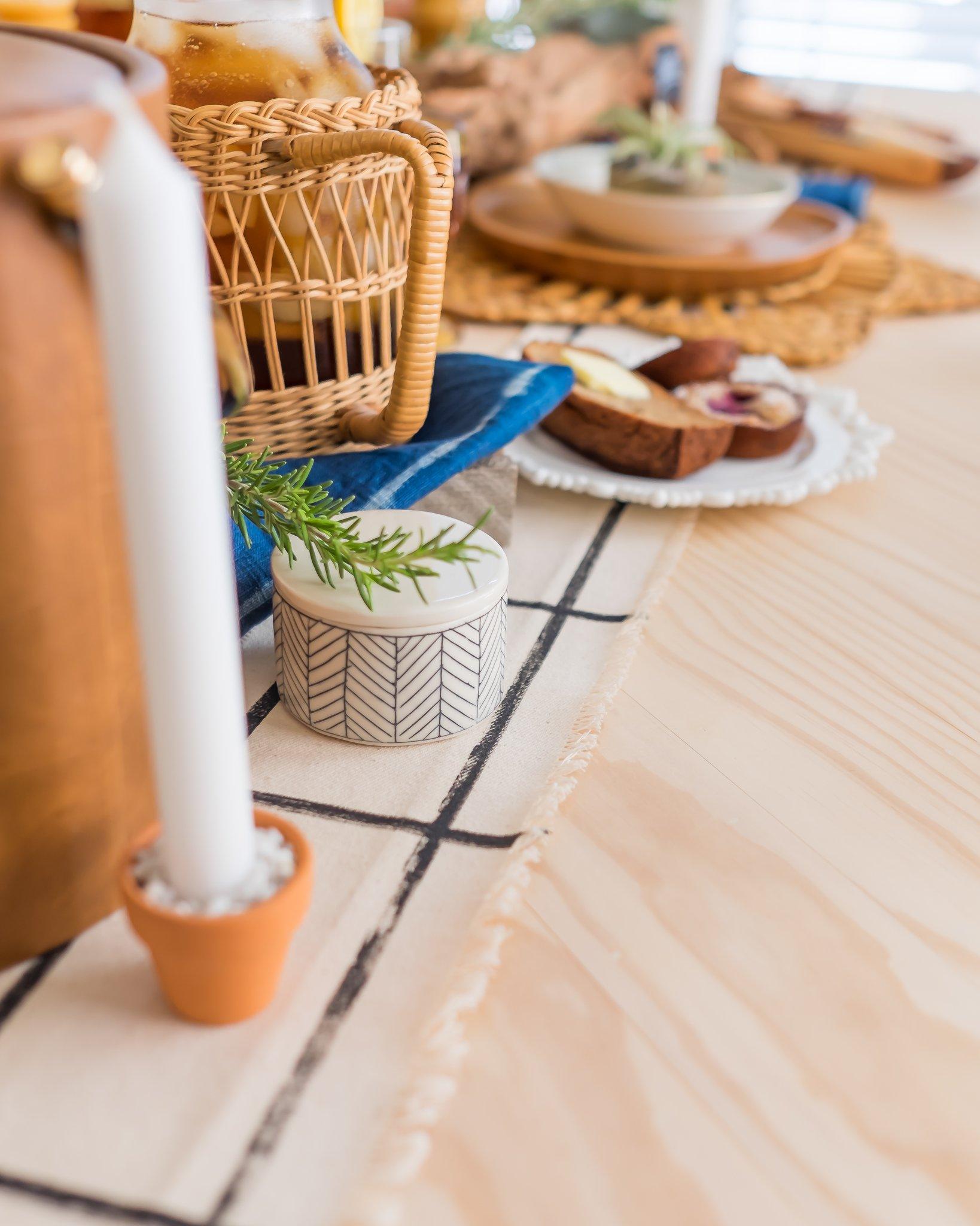 LoveDingBlog-Austin-Texas-Interior-Stylist-Thanksgiving-Table Runner-DIY.jpg