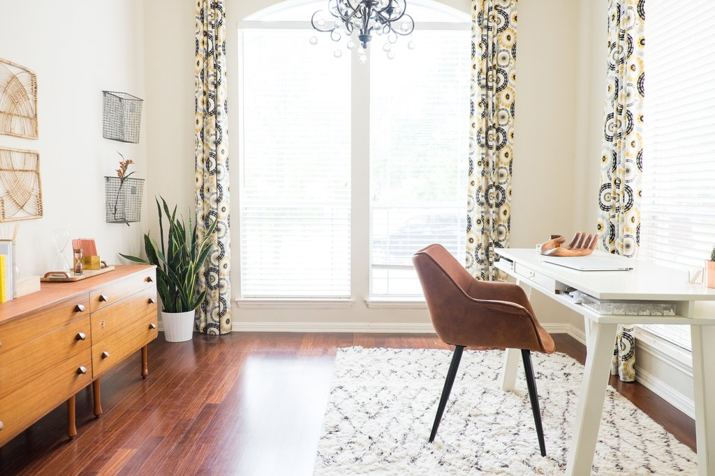 Love-Ding-Blog-Design-Tips-How-to-Stage-Your-Home-Furniture-Grouping-Dont.jpg