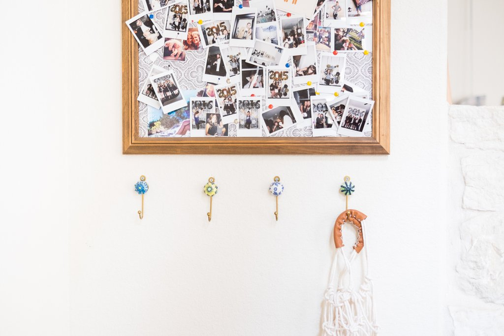 Love-Ding-Blog-Design-Tips-Home-Staging-How-To-Take-Down-Personal-Items-Dont.jpg