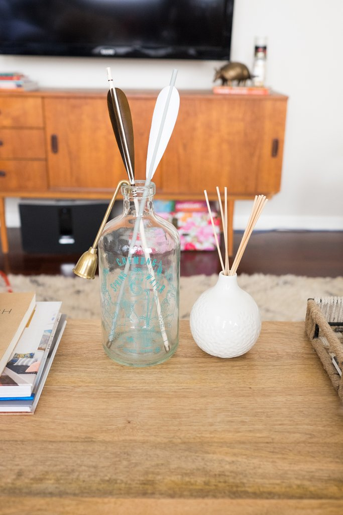Love-Ding-Blog-Design-Tips-Home-Staging-How-To-Styling-with-Odd-Numbers-Dont.jpg