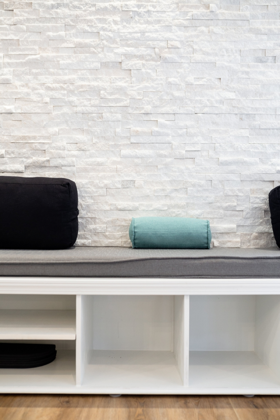 marble-accent-wall-pilates-west-love-ding-commercial-interior-design.jpg