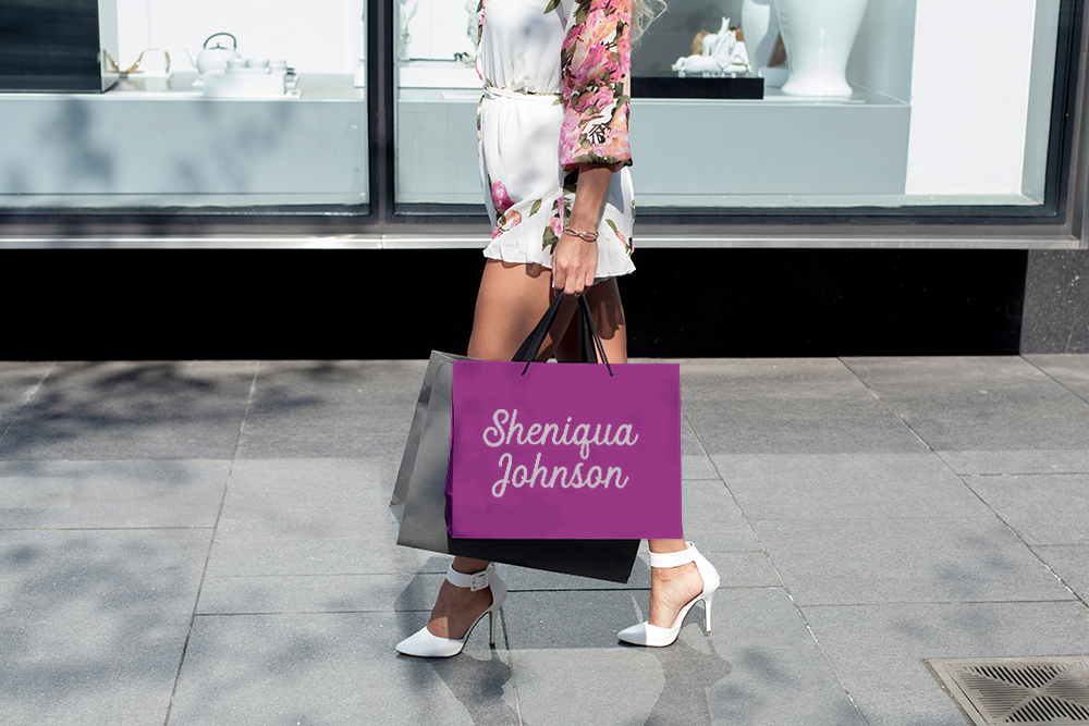 s-johnson-logo_shopper-with-bag.png