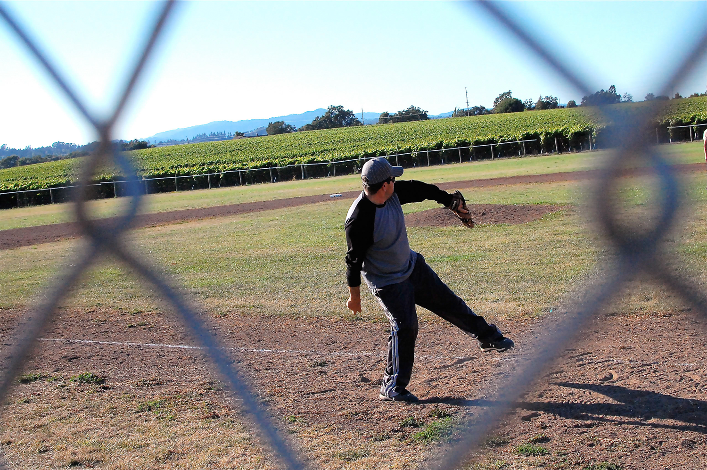 Manuel_Pitching_Baseball.png
