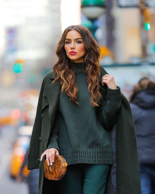 Olivia-Culpo-in-Olive-Green-Outfit--09-662x827.jpg