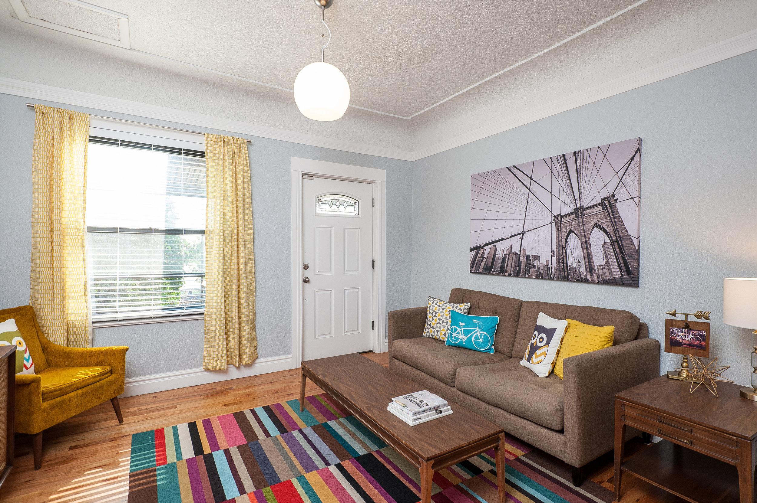 05.Livingroom02.jpg