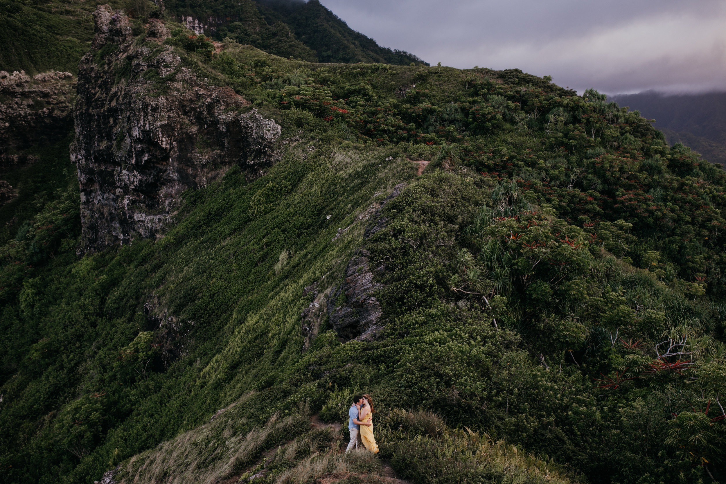 adventurous-couples-engagement-hawaii-165.jpg