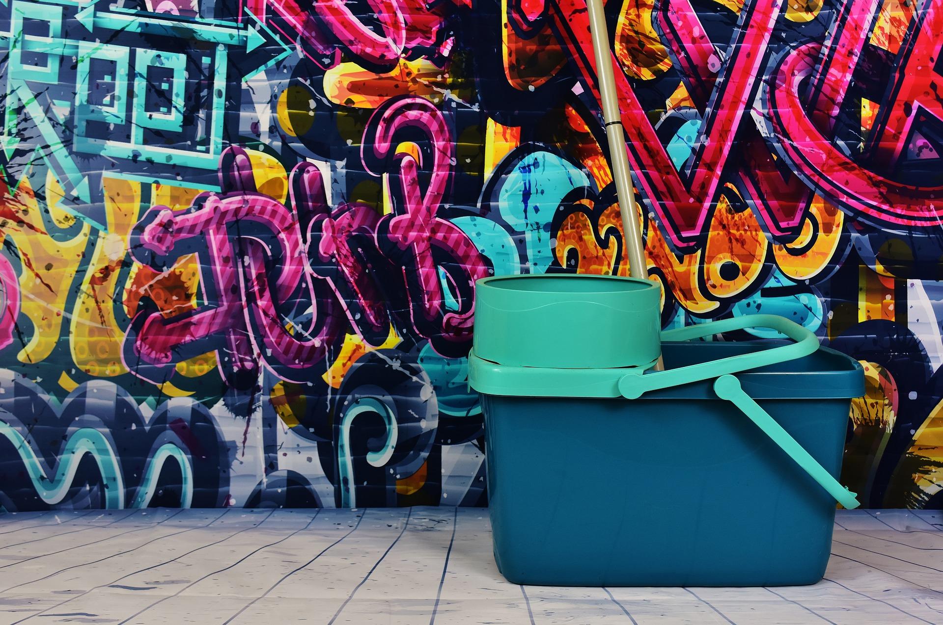 graffiti-2023845_1920.jpg