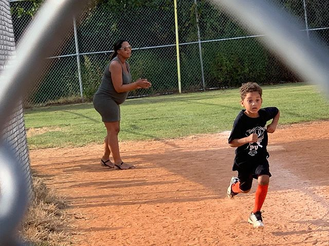 When mom's coaching, you hustle.🤣🧡🖤
