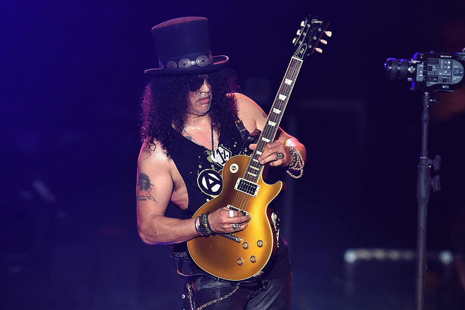 But have you seen slash's insta?  BECAUSE I HAVE AND I'M OBSESSED