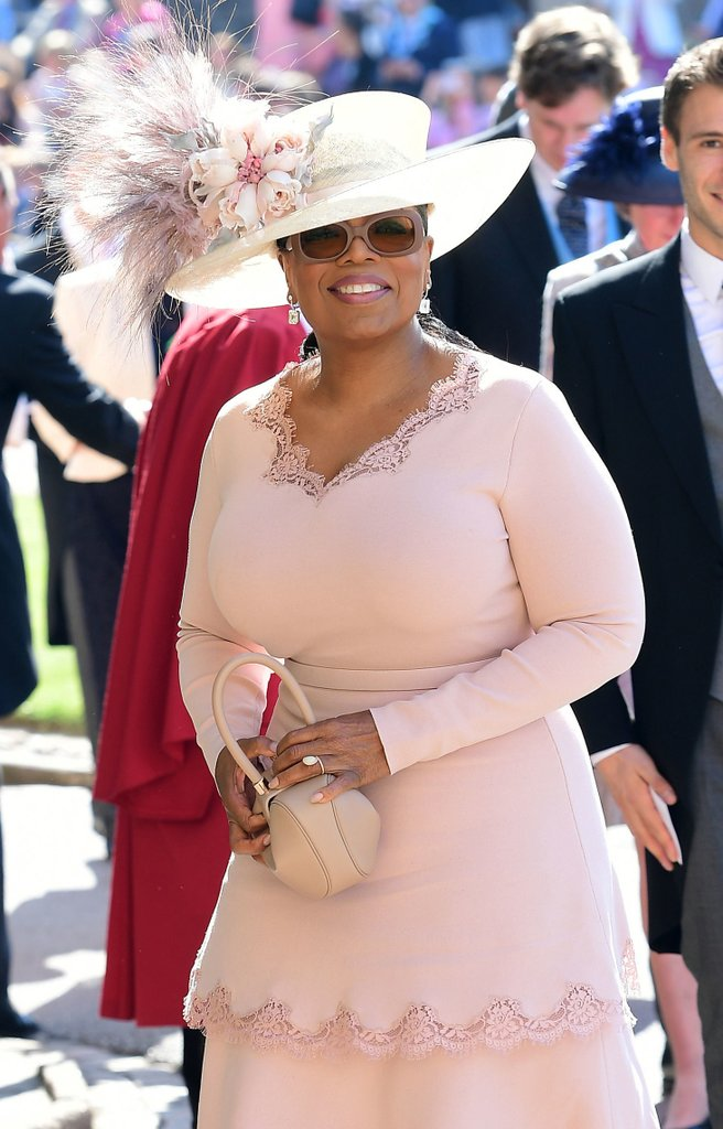Oprah-Winfrey-Outfit-Royal-Wedding-2018.jpg