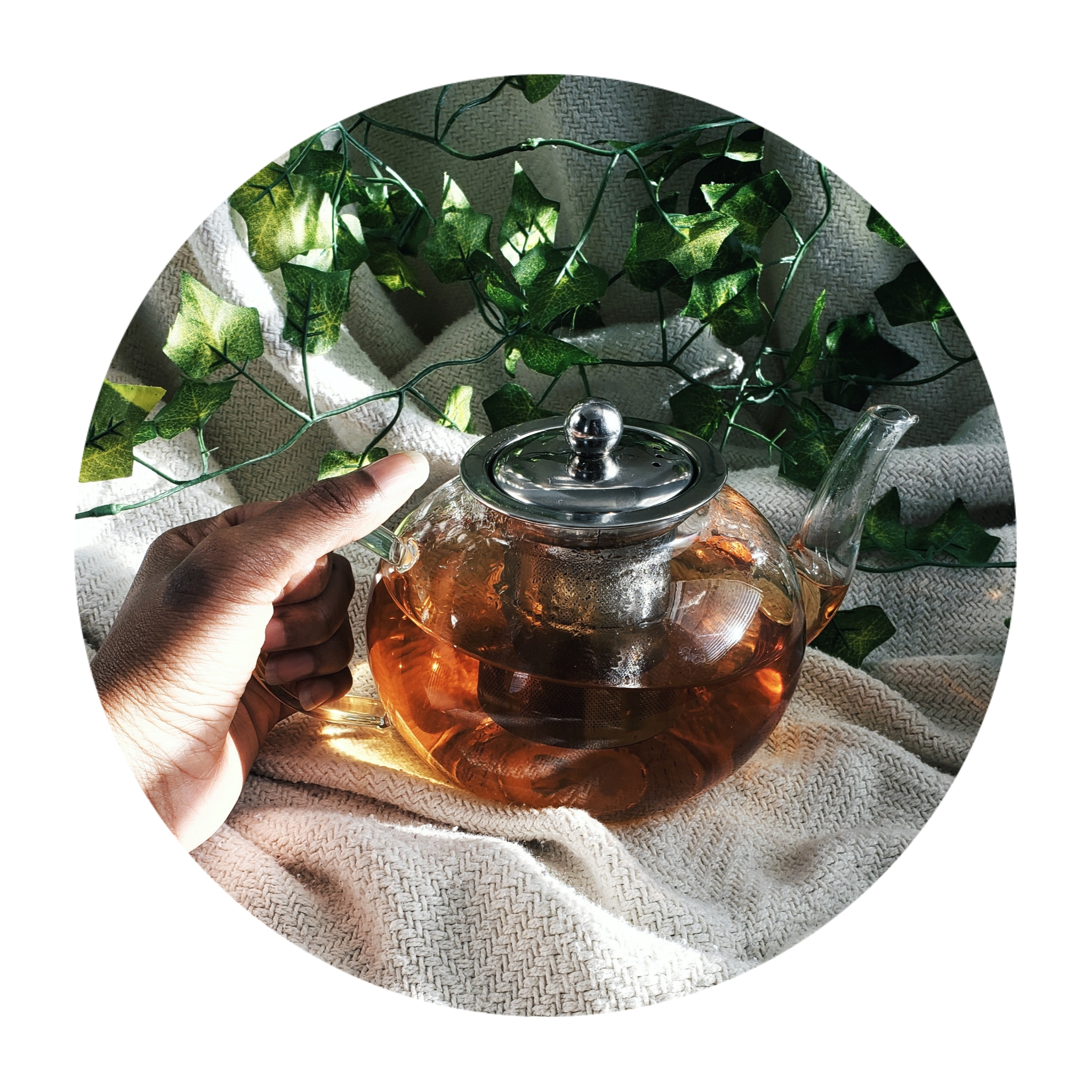 TEA PRESENCE CEREMONY - I guide you through an experience with tea + presence. You will tune into all of your senses, allowing yourself to anchor right into the moment. You will also be educated about the tea you are drinking (if in person).