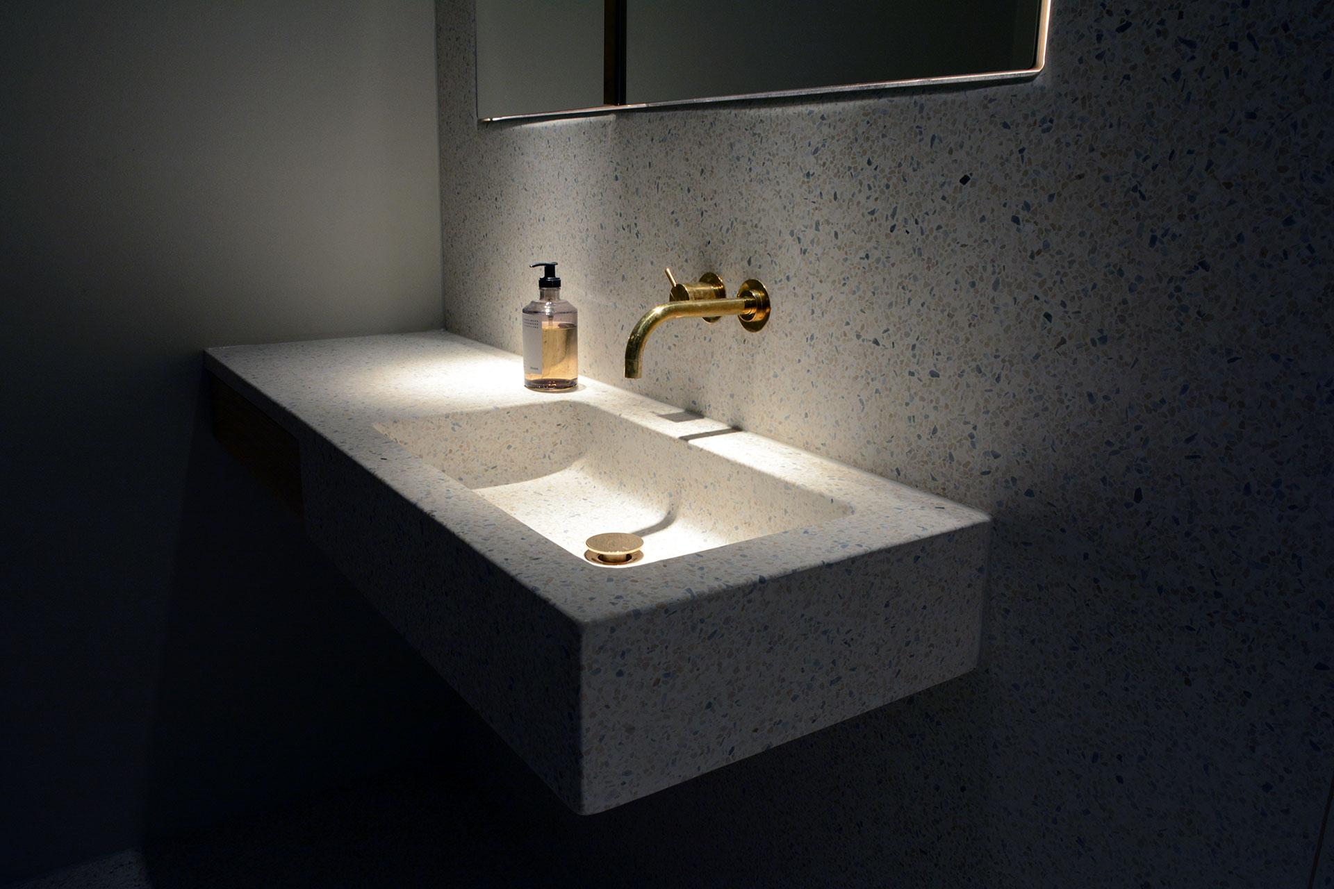 Badeværelse i terrazzo, Sortedam Dossering - Udført i samarbejde med Lotus Concrete