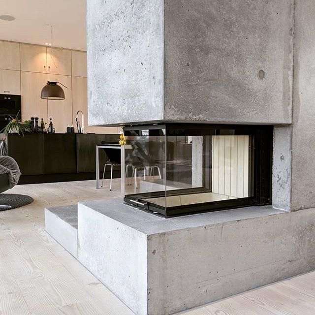 Pejs i beton. Vandrette flader er slebet mat. #beton #betondesign #concretedesign