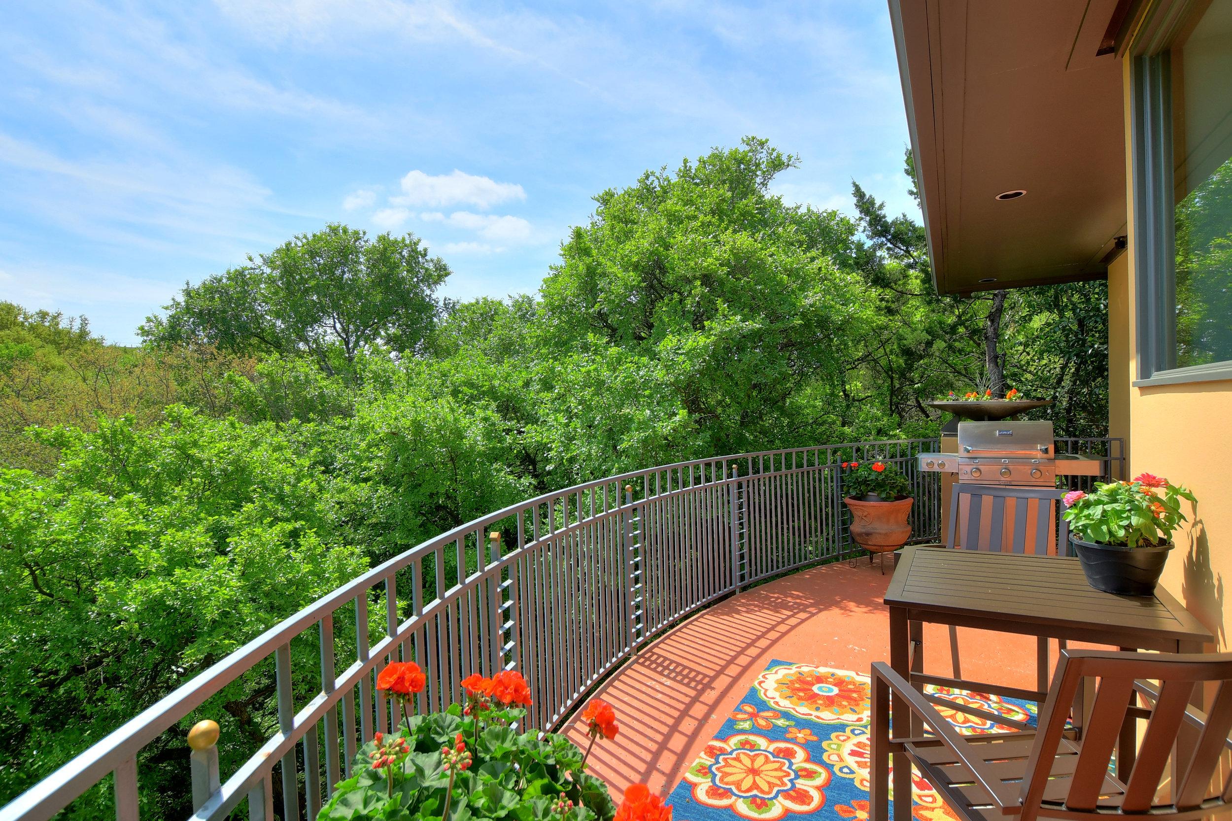 14 Treemont Drive | Sun 1-3 PM | $849,0002 | Rita Keenan