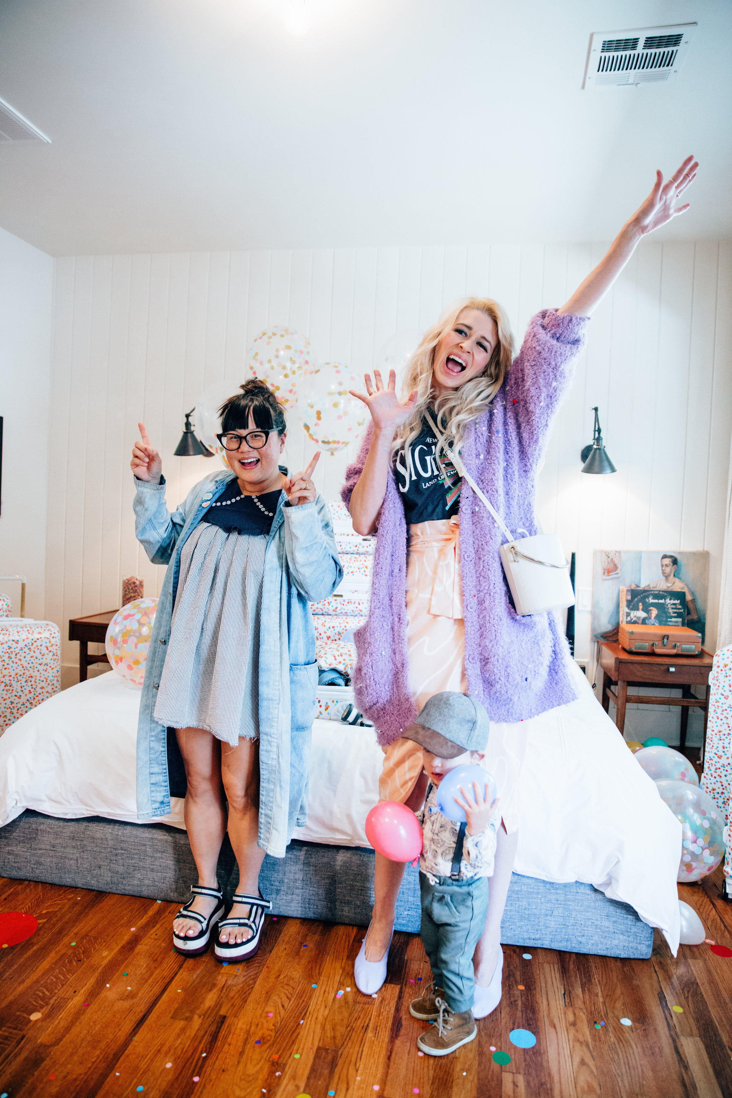 Dance break with Mai from  @maisassygirl and Coury from  @fancytreehouse !