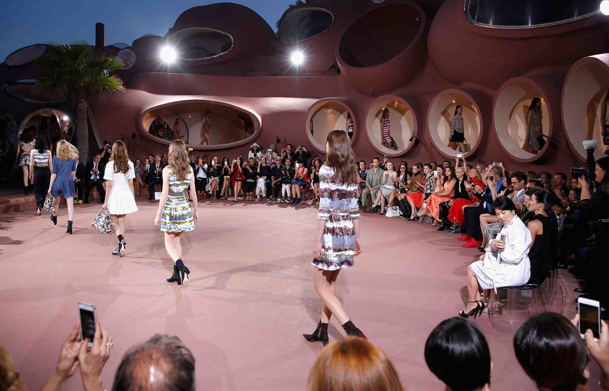 General-view-of-the-Dior-Croisiere-2016-show-finale-2-Kopie.jpg