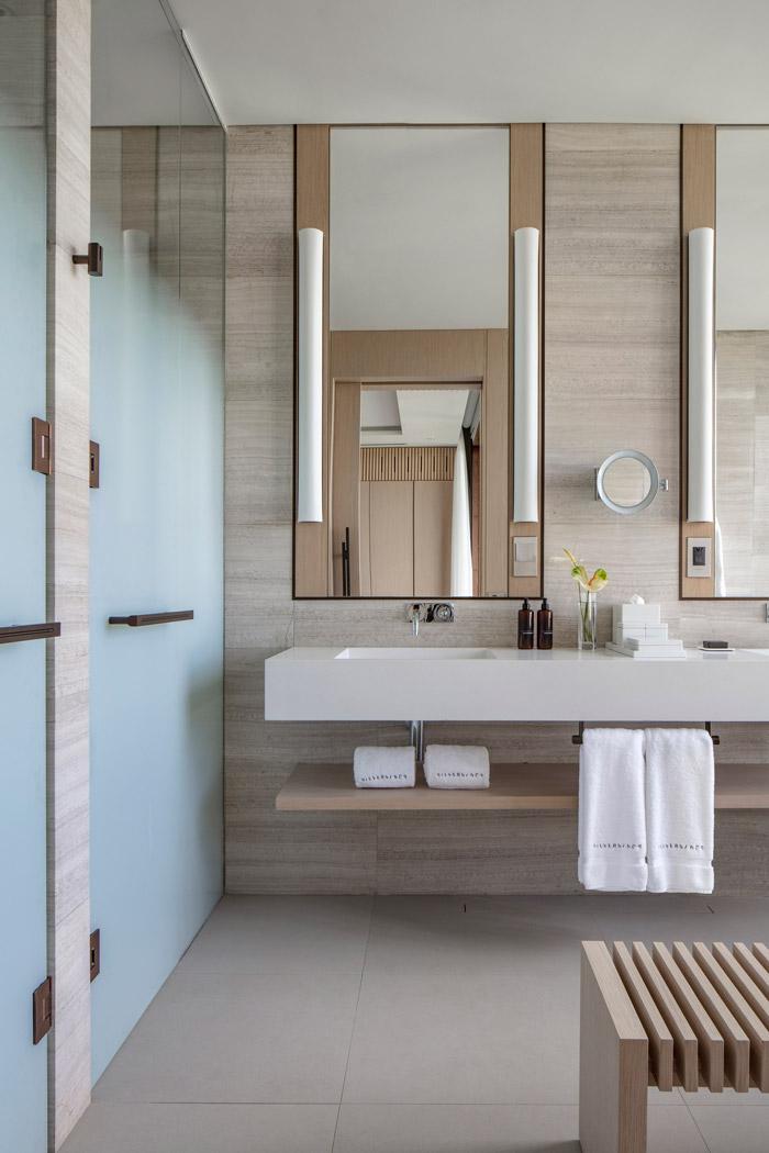 silversands-accommodations-bathroom-sink-detail-5c51d28574d7d.jpg
