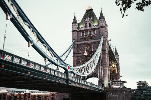 london-bridge-details_925x.jpg