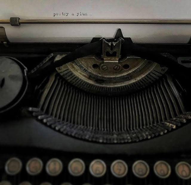 PA old typewriter.jpg