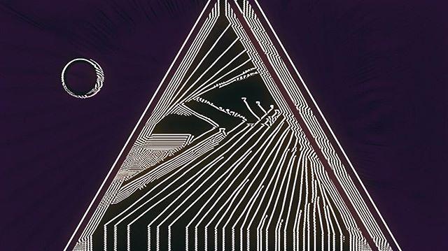 【RAW Feature】 「這就像進入一個冥想的境界,我希望能透過我的作品,開放觀者的想像。」來自德國的錄像藝術家 Max Hattler,他的作品幾乎去除所有敘述性,通過迷幻節拍和抽象影像,入侵觀者的感官世界。  #ProjectRAW #Art #Culture #Videography #interview #creation #artist #videoart #videoartist #projectrawhk #hongkong #rawfeature #music #maxhattler #hongkongart #hkart @max_hattler