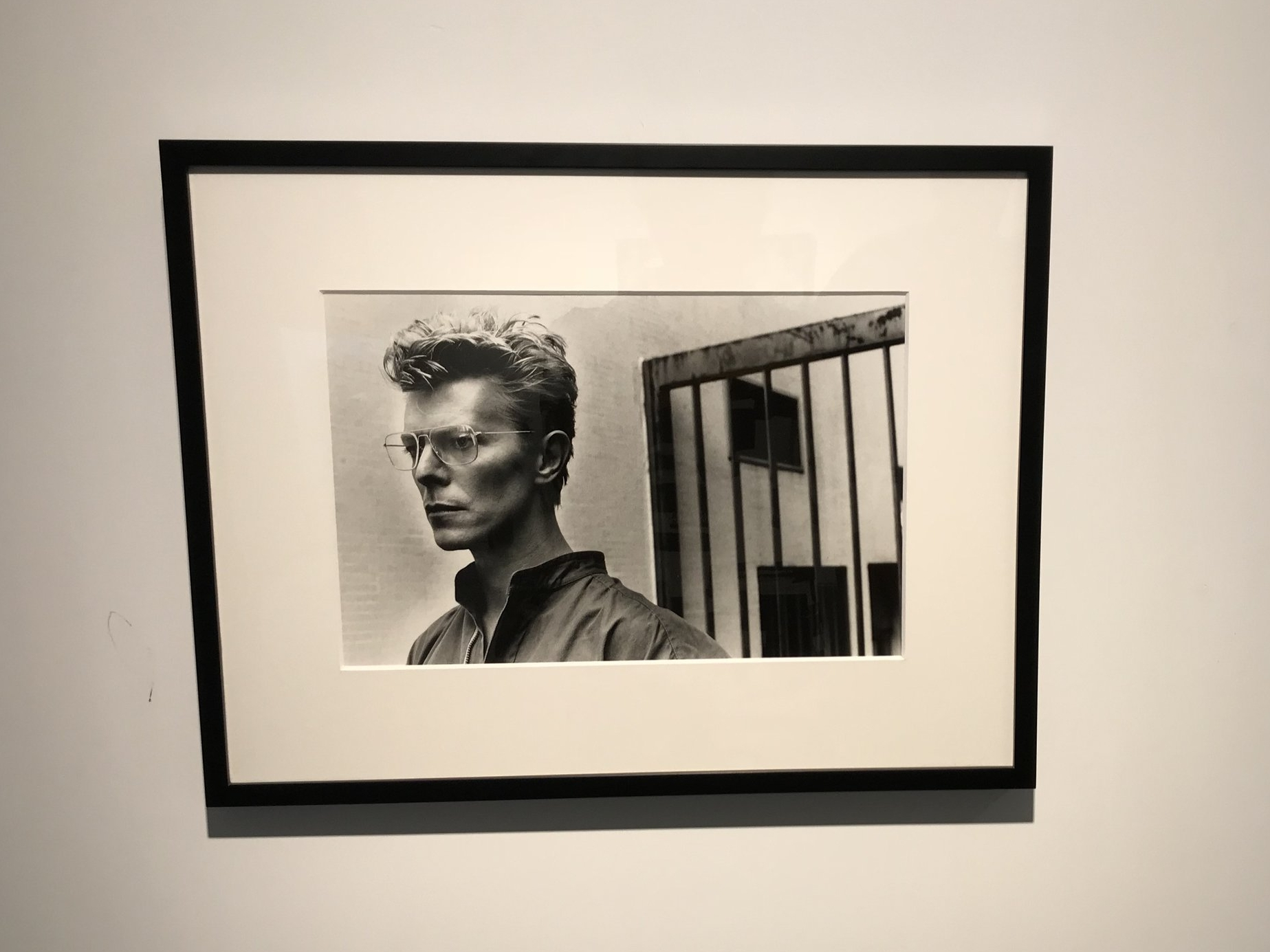 ©Helmut Newton  Private Property, Suite II, 25 David Bowie, Monte Carlo, Gelatin Silver Print, 6/75, 30 x 40 cm, 1982