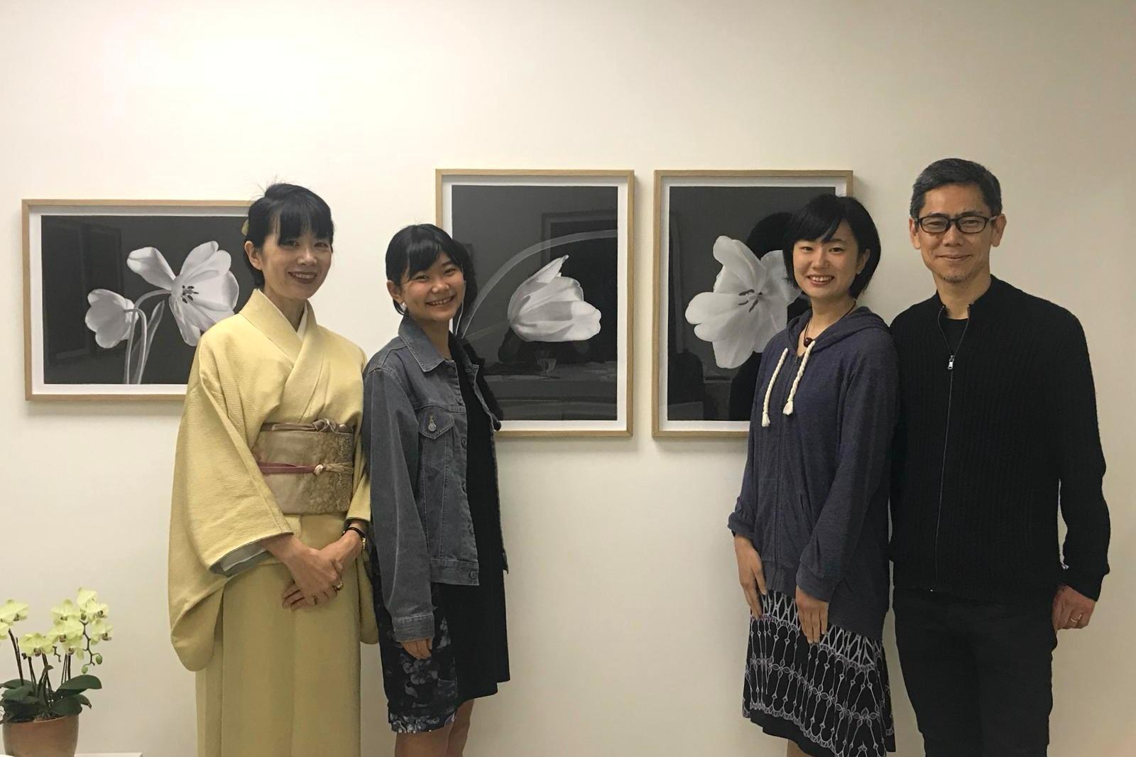 (左起:太太亞希子、次女西村明、長女西村生、西村陽一郎)
