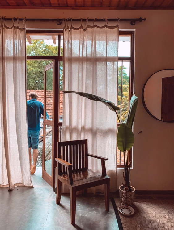 earthlinks srilanka room balcony big window view comfy hommy design hotel villa.jpg