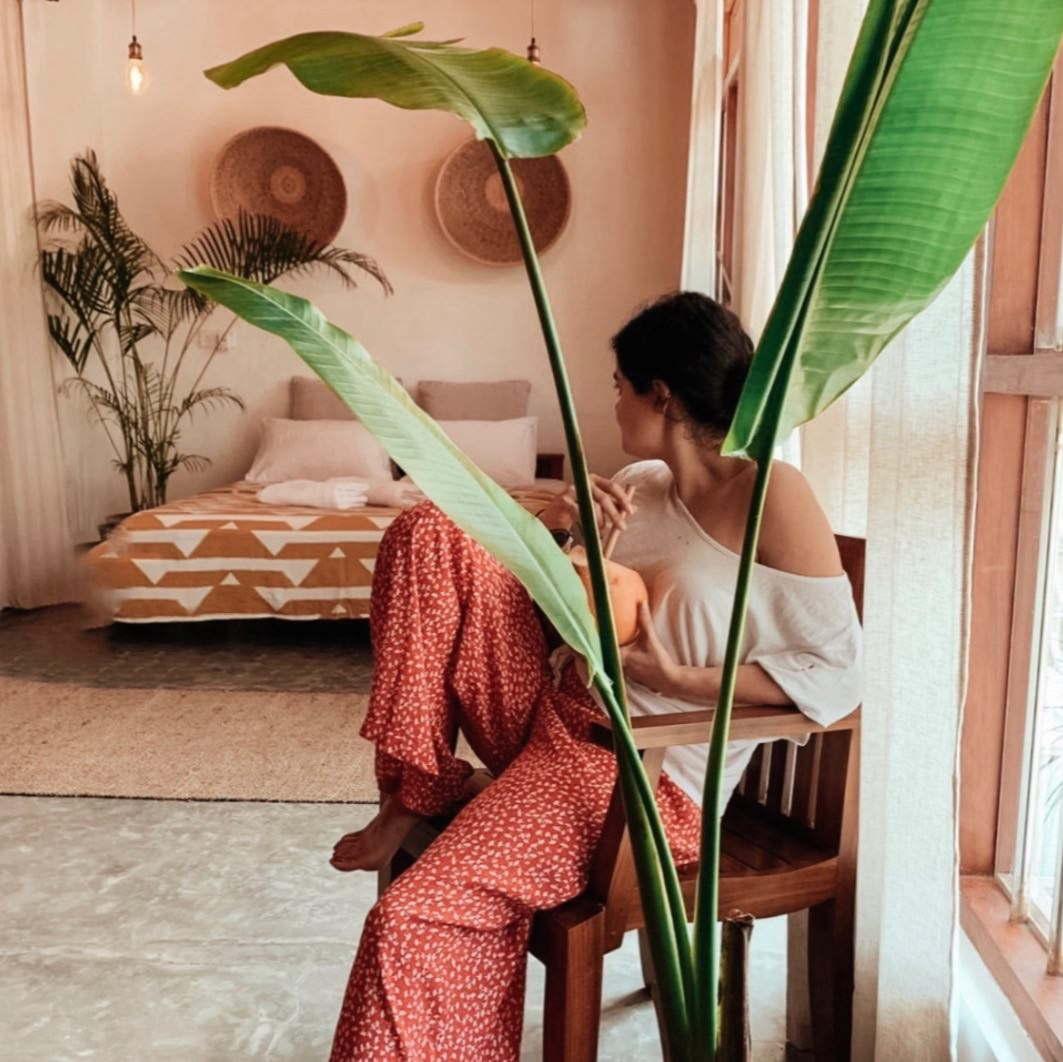earthlinks srilanka room inside girl sitting comfy design chill plants beds.jpg