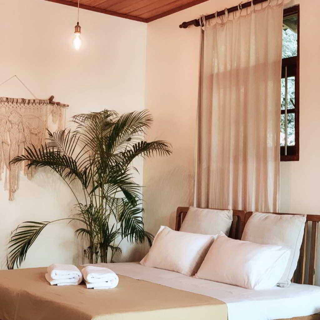 earthlinks srilanka room comfortable pillows bedlilnens comfort design.jpg