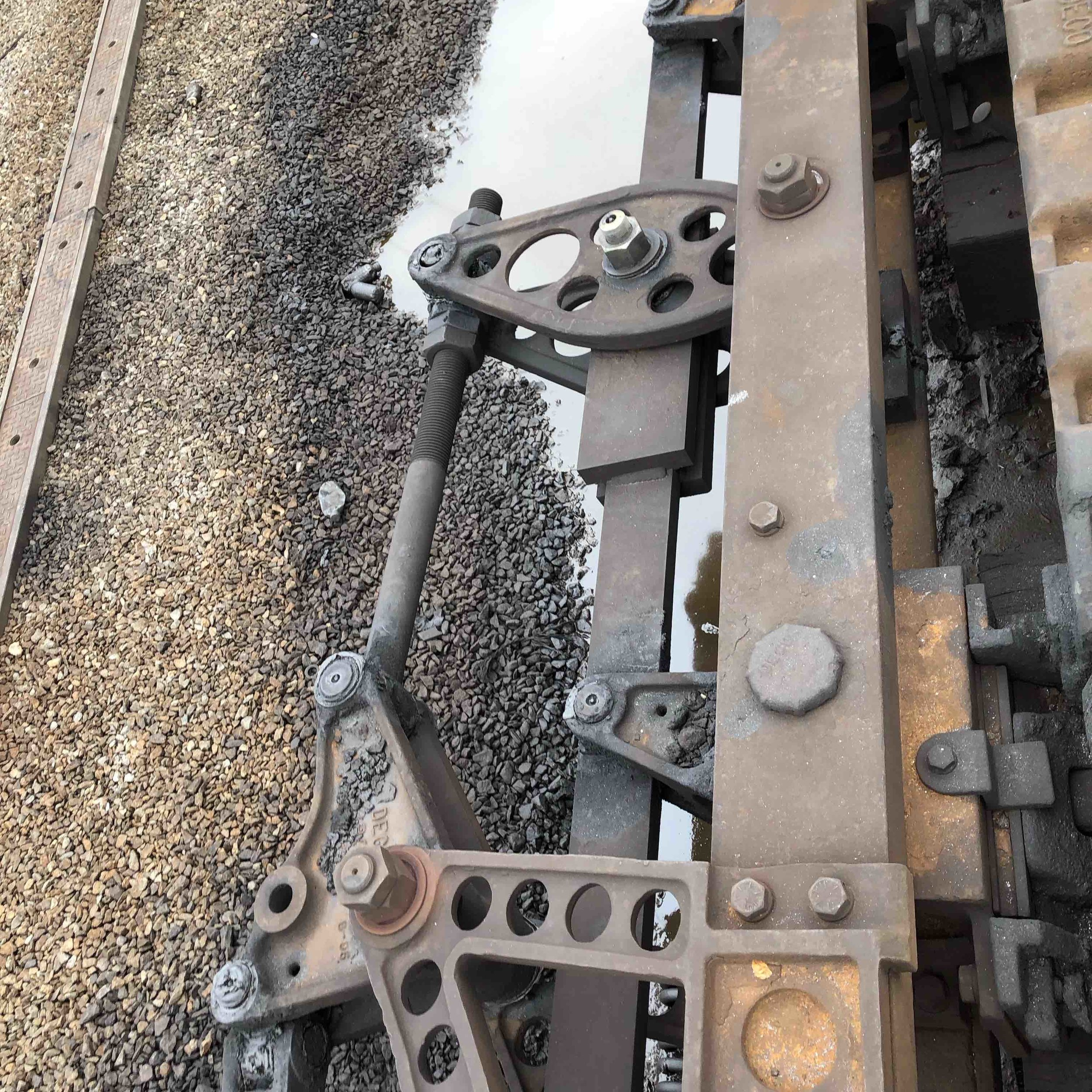 4x-track-maintenance-4.jpg