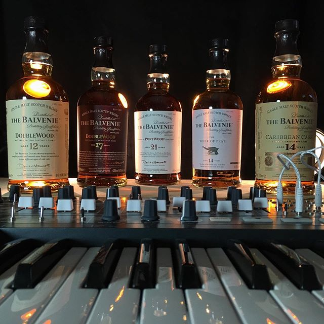 This is the five whiskies from @thebalvenie we serve at our next event. Experience our Australian tour set in Copenhagen, when we play at the award winning @bar_deco_cph.   for tickets-link in bio