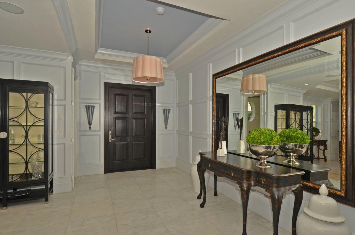 foyer_1200.jpg