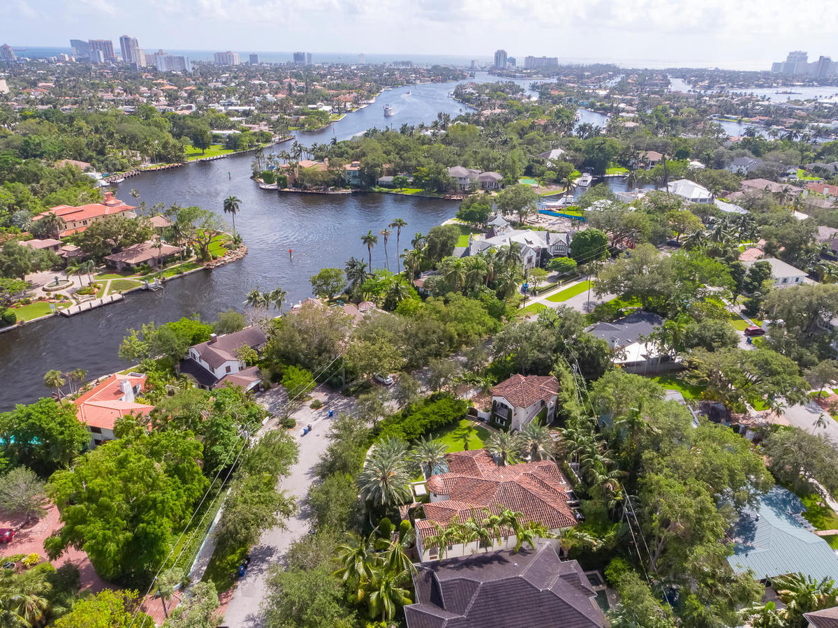 1122+n+rio+vista+blvd+fort-large-003-4-community+view-1336x1000-72dpi.jpg