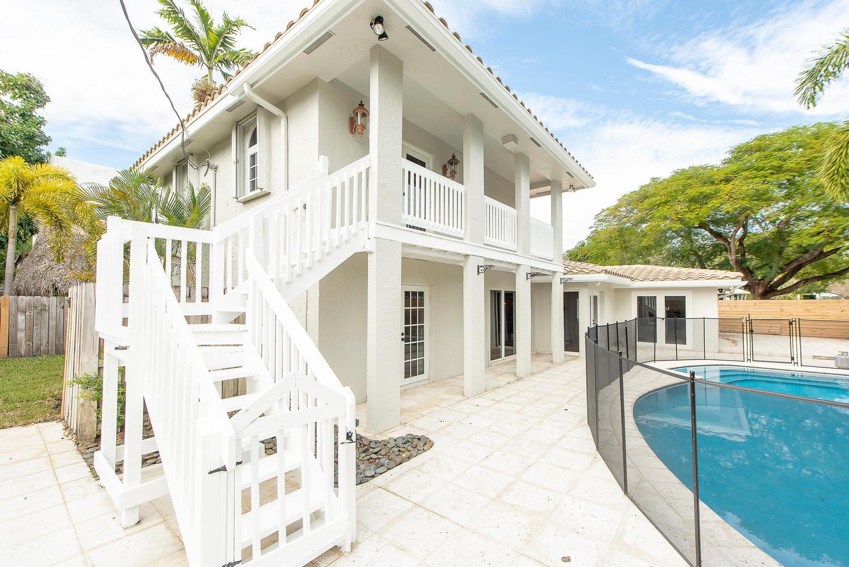 824 SE 8th St Fort Lauderdale-large-016-13-Exterior  Back-1499x1000-72dpi.jpg