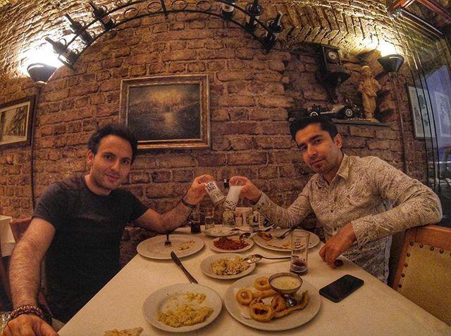 Hafta içi buluşmaları başka bir güzel #içmekiçinbahaneçok #yeniraki #beyoglumer #merbalik