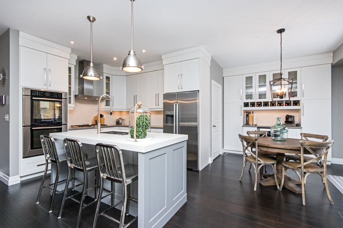 3344 Moses Way - Large Kitchen with Island & Eating Area