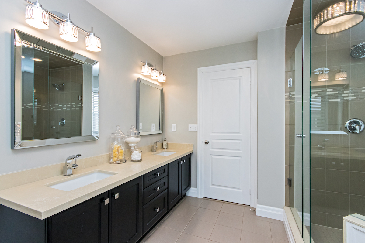 3344 Moses Way - Ensuite Bathroom with View of Walk In Shower - Alternative Angle