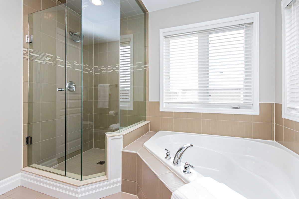 3344 Moses Way - Ensuite Bathroom with Soaking Tub & Walk In Shower