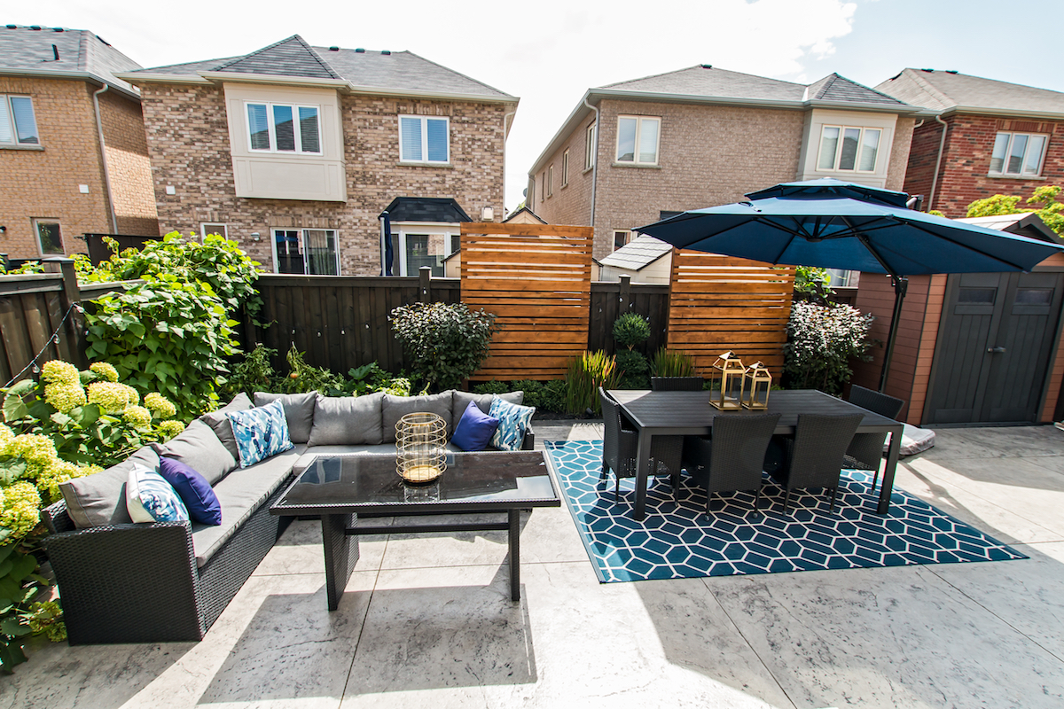3344 Moses Way - Outdoor Couch Seating - Alternative Angle