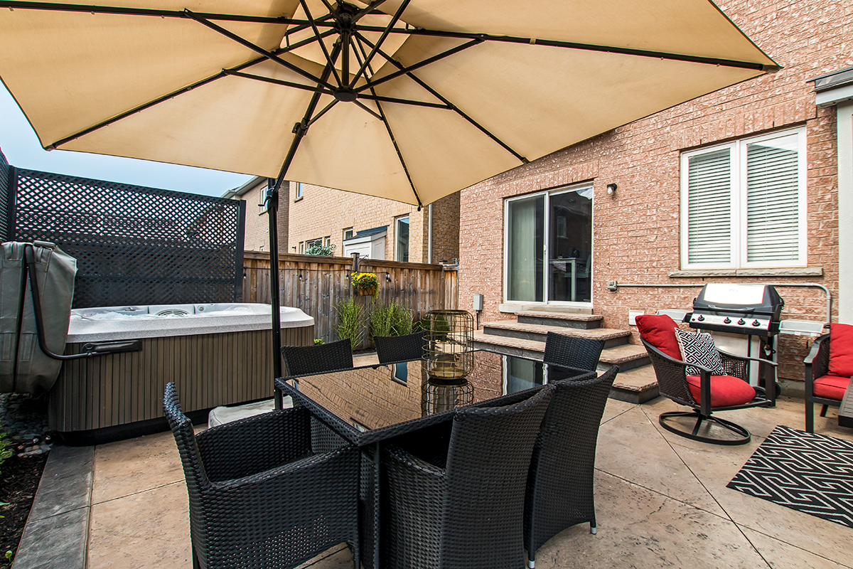 3346 Moses Way - Outdoor dining area with view to hot tub