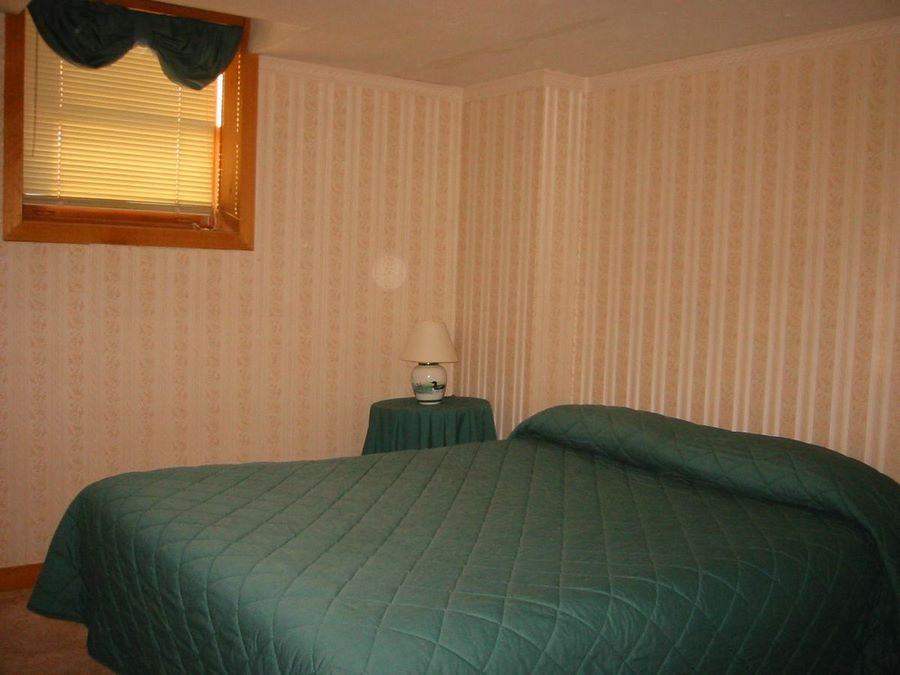 """Willy B"" Second Bedroom"