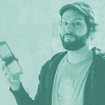 carsten waldeck - Mit SHIFTPHONE baut Carsten Waldeck modulare und damit auch schöne, faire und nachhaltige Smartphones und Tablops, die die großen Konkurrenten zunehmend unter Druck setzen. Dass er mit seiner Idee den Nerv der Zeit und den Wunsch der Konsumenten einen Beitrag zur Zukunftsfähigkeit beizutragen trifft, lässt sich an erfolgreich durchgeführten Crowdfunding-Kampagnen erkennen.