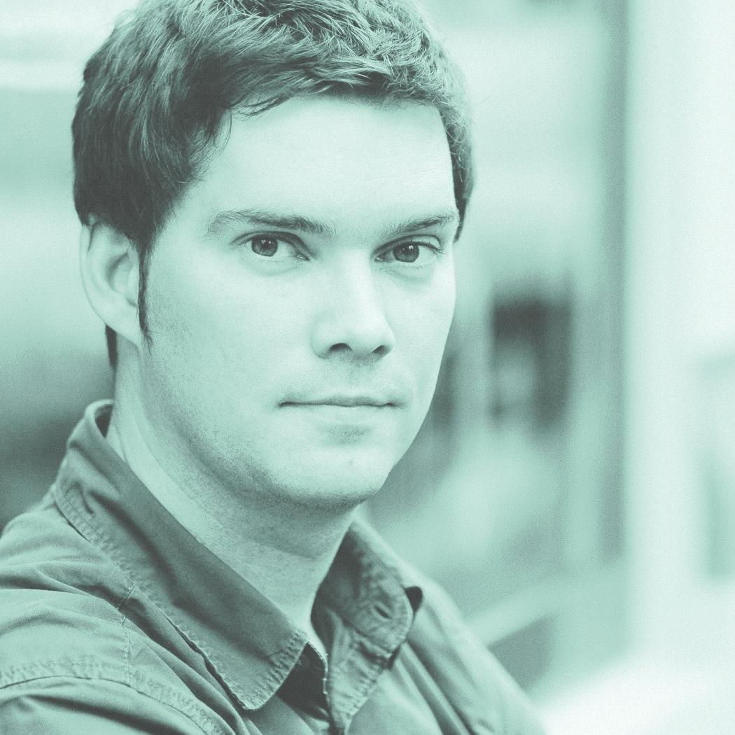 michael weber - Michael arbeitet an der Schnittstelle von Wirtschaft, Design und Technologie, um Innovation und Veränderung zu schaffen.Als Teil des Creators Collectives, einer interdisziplinären Gruppe von Künstlern, Designern, Machern, Programmierern, Ingenieuren und Unternehmern erkundet er Innovationspotenziale und verwirklicht diese in neue Produkte und Erfahrungen.
